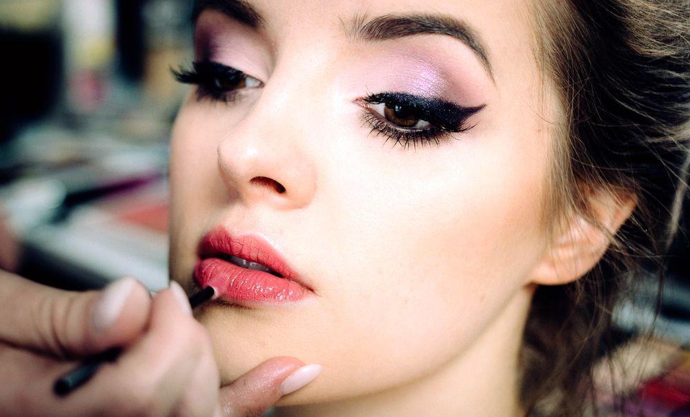 Maquillage naturel des lèvres
